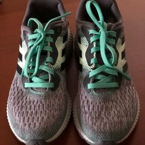Adidas Bounce tennis shoes Size 7.5